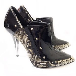 Casadei 7.5 Black Leather Snakeskin Ankle Booties